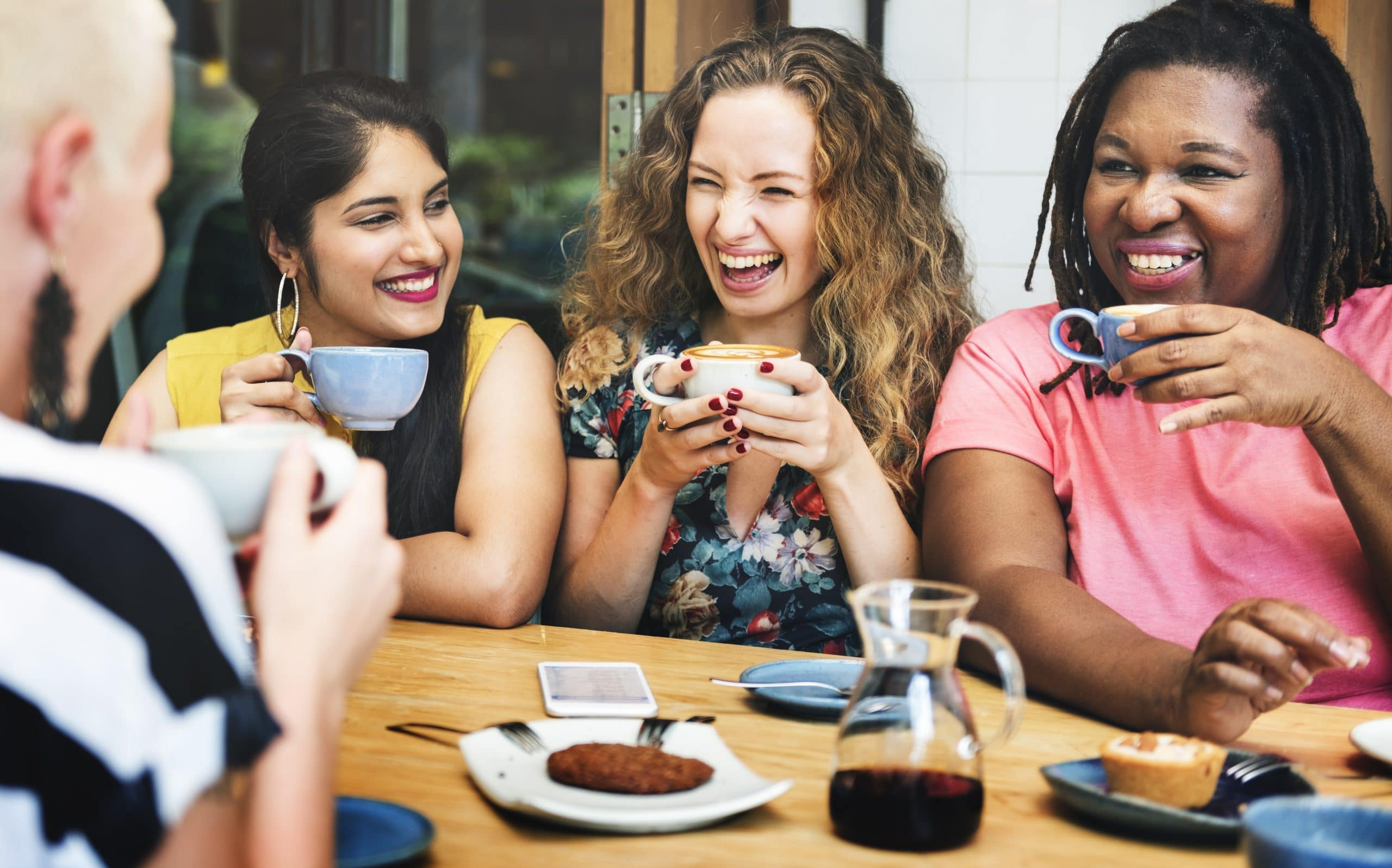 7 Fun Social Activities For Moms: Virtual and In-Person